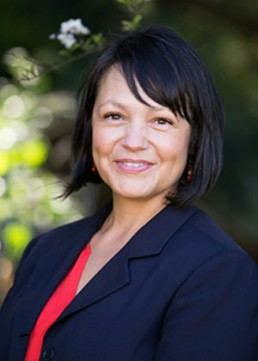 VCTC Councilmember Claudia Bill-de la Peña